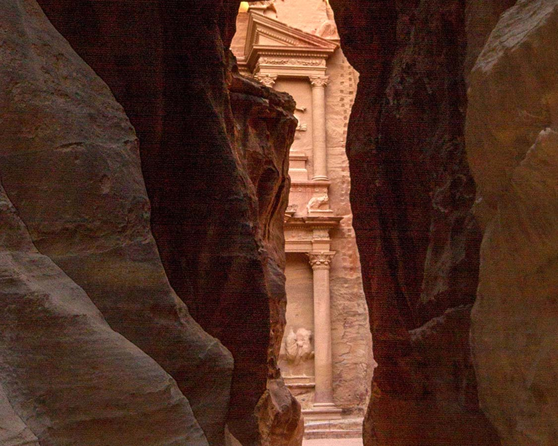 The Siq opens up to the Petra Treasury on a Jordan Itinerary
