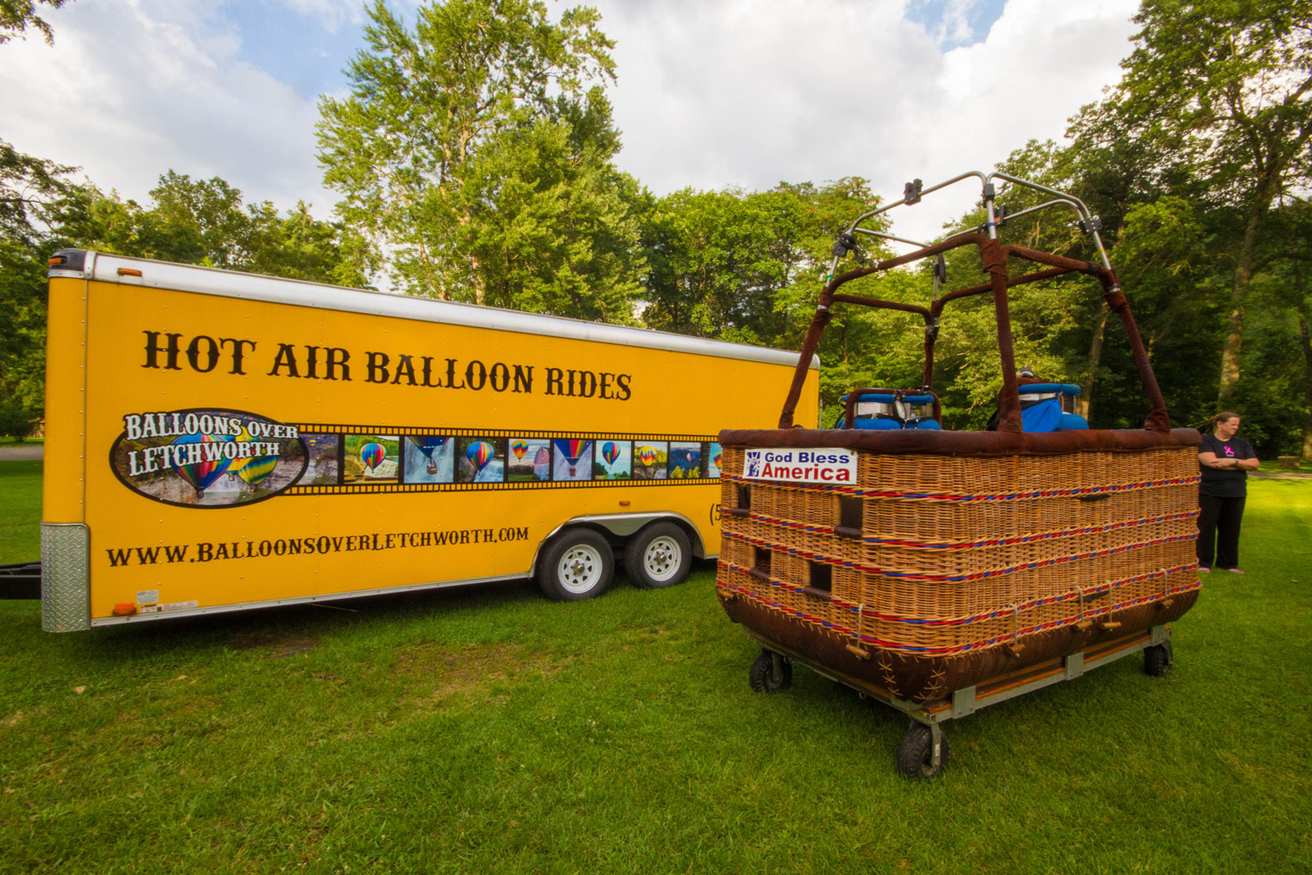 Balloons over Letchworth basket and chase truck in Letchworth State Park in New York State
