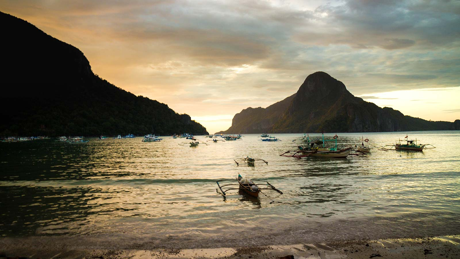 Taking a trip to Palawan? From where to stay, where to eat, and what to see, we have what you need to plan your El Nido family vacation.