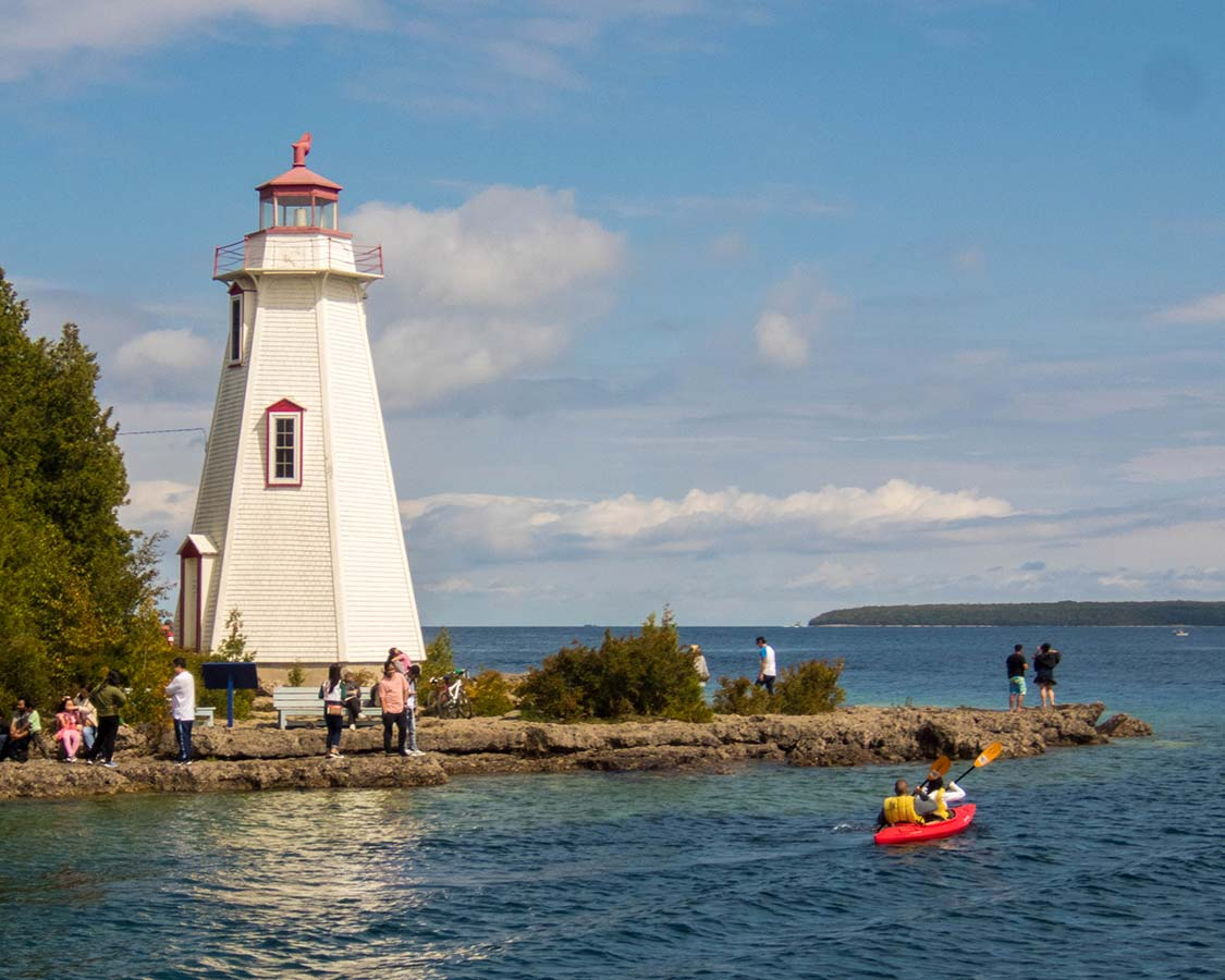 Things to do in Tobermory Ontario - Big Tub Lighthouse