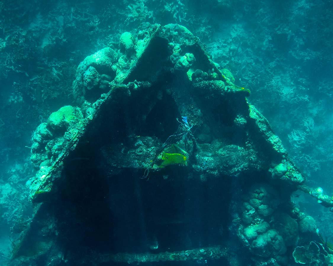 Coron Island Tour Lusong Gunboat wreck
