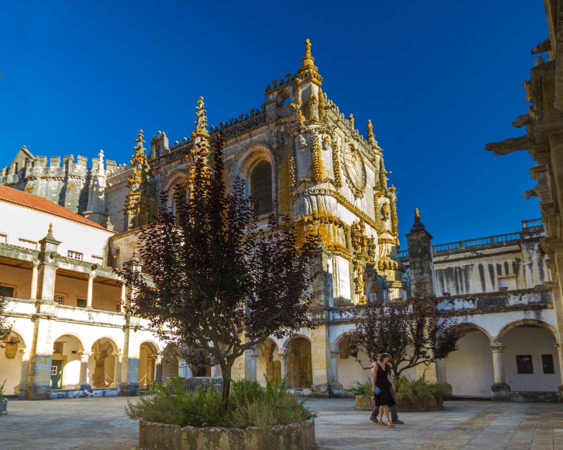 Things to do near Lisbon Portugal Monasteries