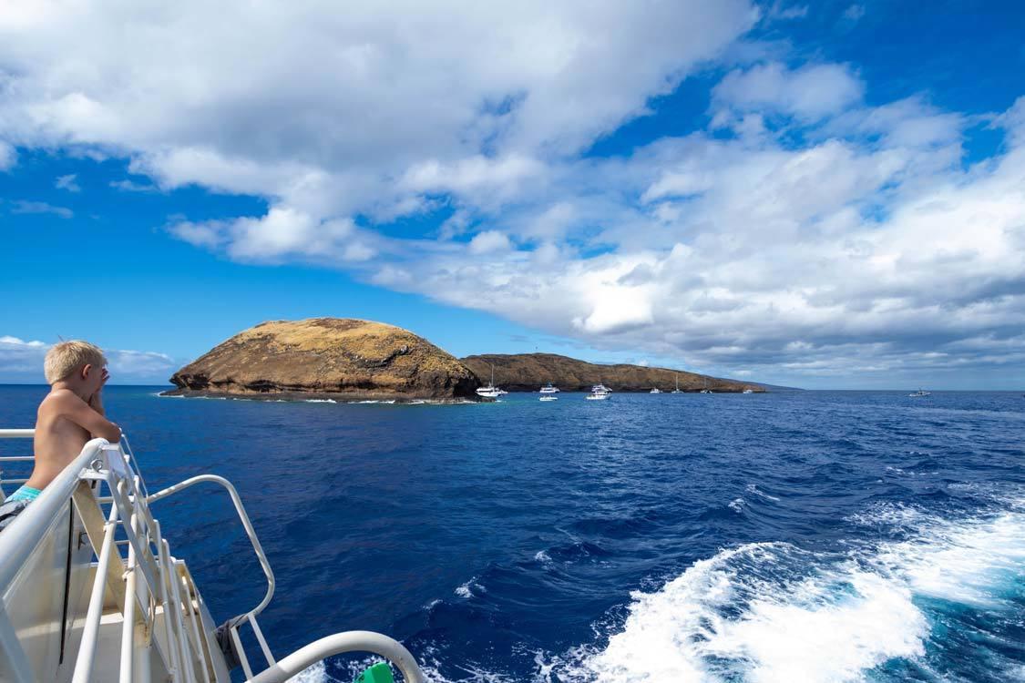 Molokini crater snorkeling tour