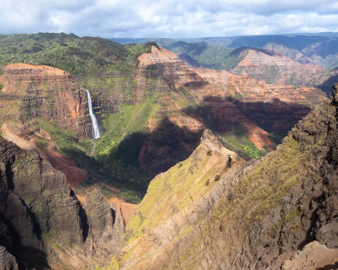 How To Experience The Kauai Grand Canyon At Waimea Canyon State Park